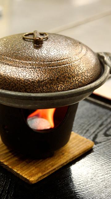 http://hanabana.hotelhananoyu.jp/images/meal/2017/20170321-3.jpg